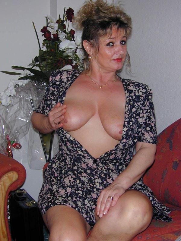 muzhskoe-eroticheskoe-shou-grand